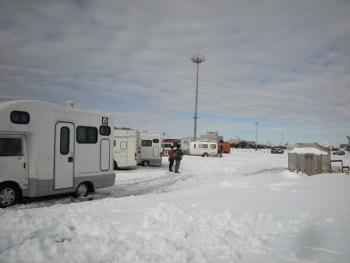 雪の幕張メッセ駐車場4