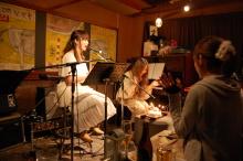 ピアノ弾き語りシンガーソングライター松本佳奈のblog-サプライズ!