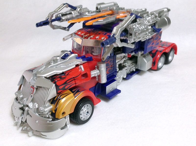 APS01strikerOptimus001.jpg