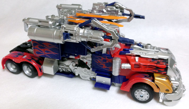 APS01strikerOptimus003.jpg