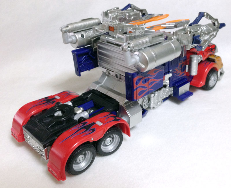 APS01strikerOptimus004.jpg