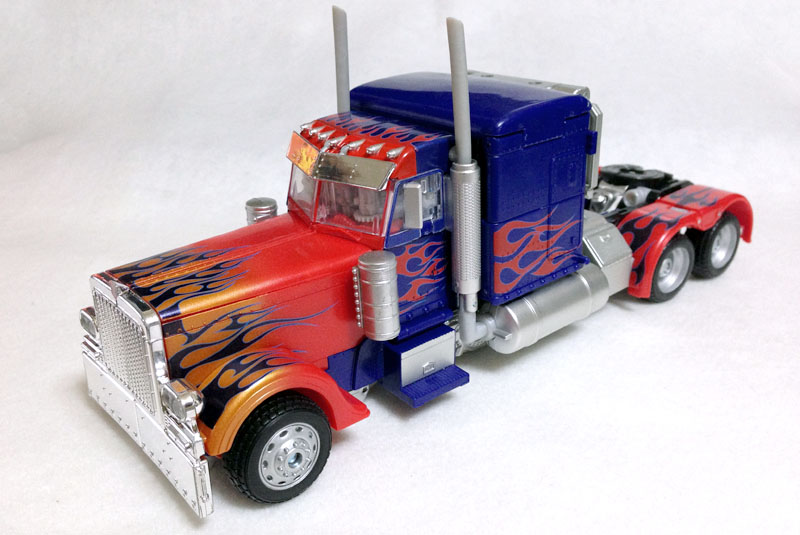 APS01strikerOptimus006.jpg