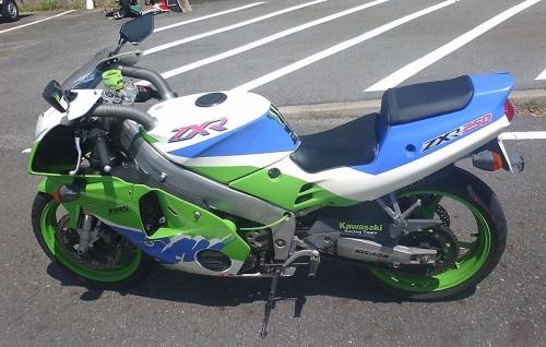 800px-Kawasaki_ZXR_250(C3).jpg