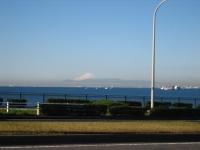美浜大橋から見る富士山