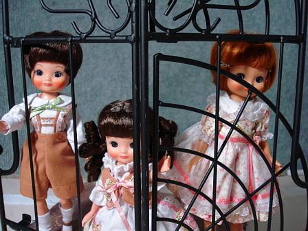 囚われた子供たち