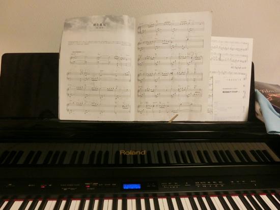 ピアノ 005