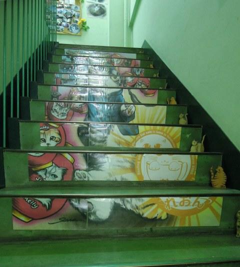 レオン・階段