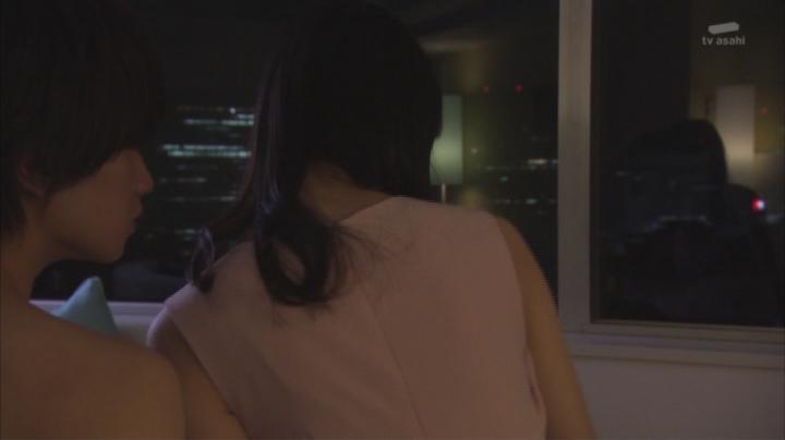 佐々木希がキス&ベットシーンを披露!服を脱がされる前の佐々木希