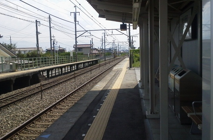 春日居町駅3