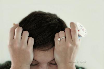 悩む 頭を抱える