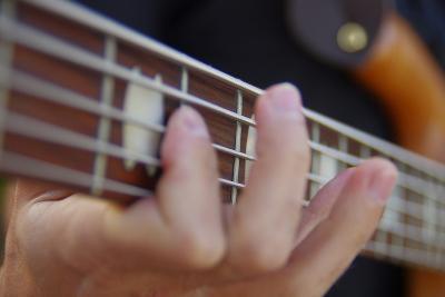 ベース 楽器 演奏