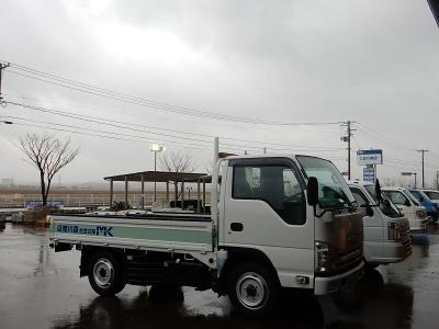 トラック新車 003