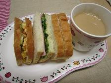 朝食 サンドイッチ