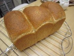 Sさん 胚芽パン