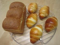 バターロールと胚芽パン Hさん