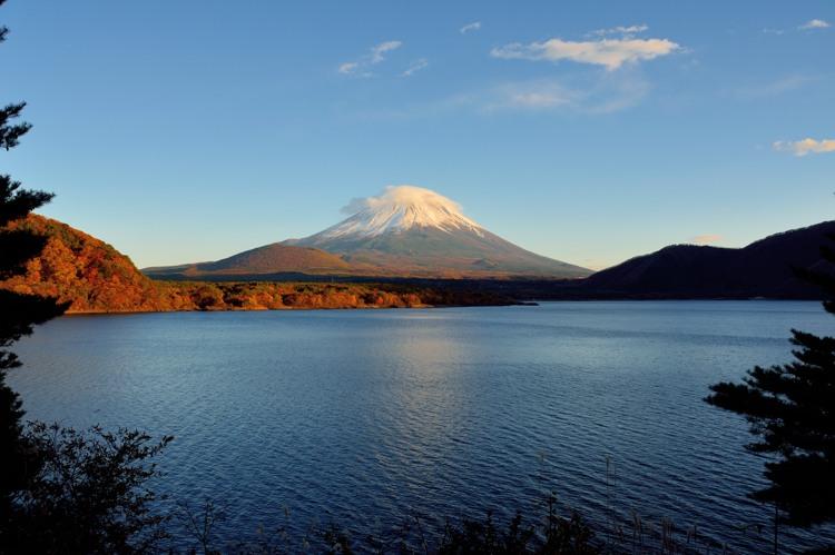 本栖湖の富士山3