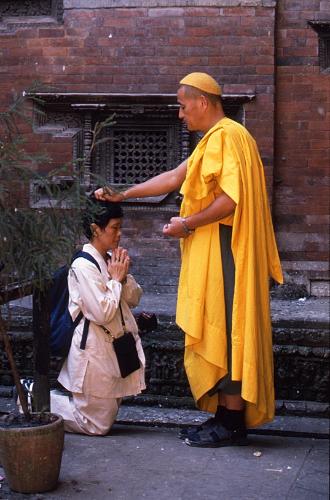 クマリの館のアジア僧