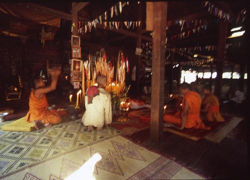 カンボジア祈祷僧