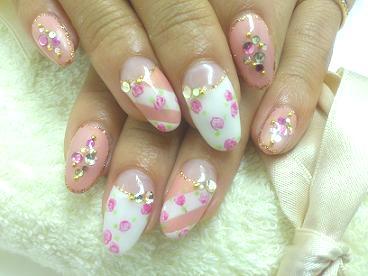 春デザイン 小花柄 ピンク フレンチネイル ネイルサロン 昭島