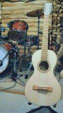ヒノキギター