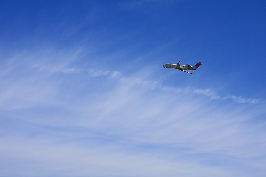 J-AIR CRJ-200ER JAL2383@RWY14Rエンド(by EOS 40D with SIGMA 18-50mm F2.8 EX DC MACRO)