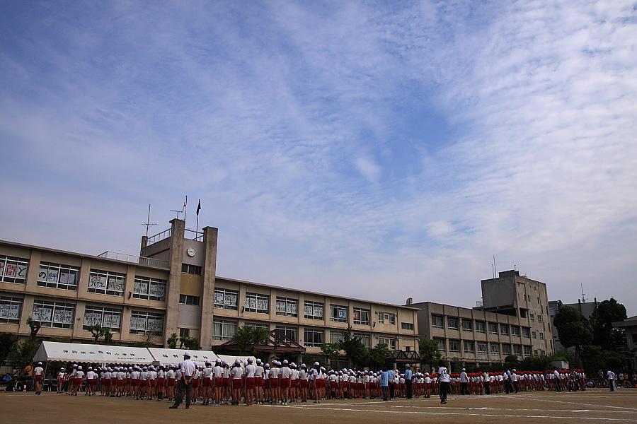 今朝の空&運動会開会式@稲野小学校(by EOS 50D with SIGMA 18-50mm F2.8 EX DC MACRO)