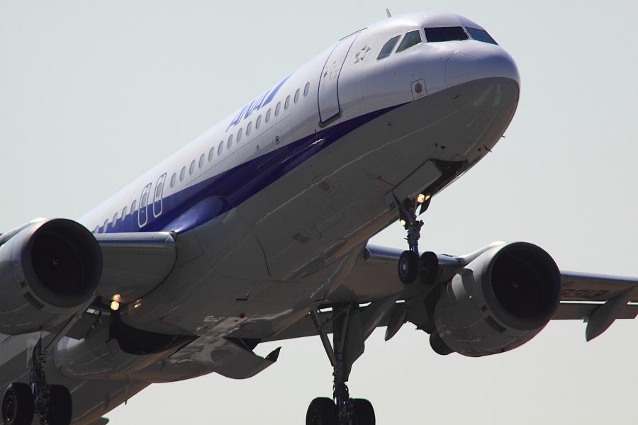 ANA A320-211 ANA543@下河原緑地展望デッキ(by EOS 50D with SIGMA APO 300mm F2.8 EX DG HSM + APO TC2x EX DG + APO TC1.4x EX DG)