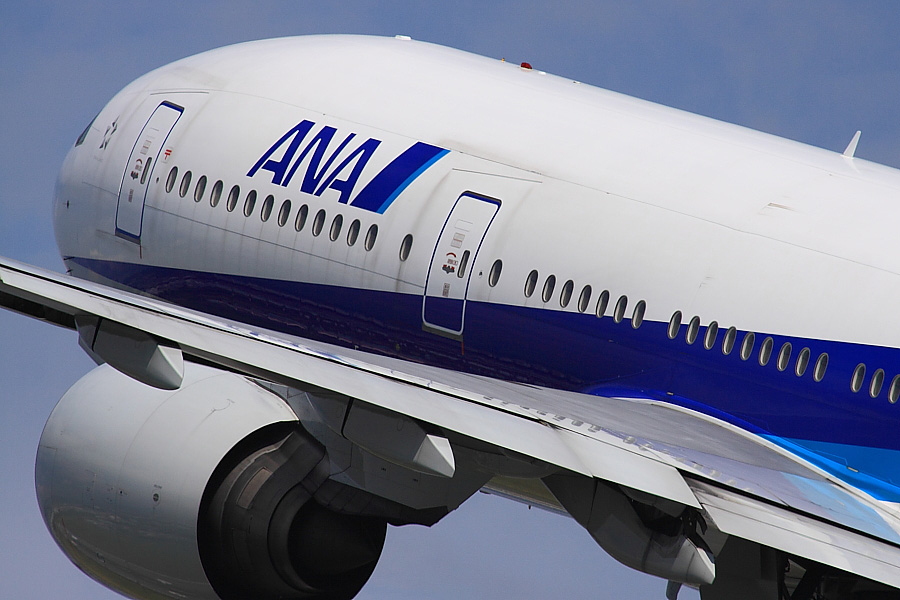 ANA B777-281 ANA20@伊丹スカイパーク(by EOS 50D with SIGMA APO 300mm F2.8 EX DG/HSM + APO TC2x EX DG)