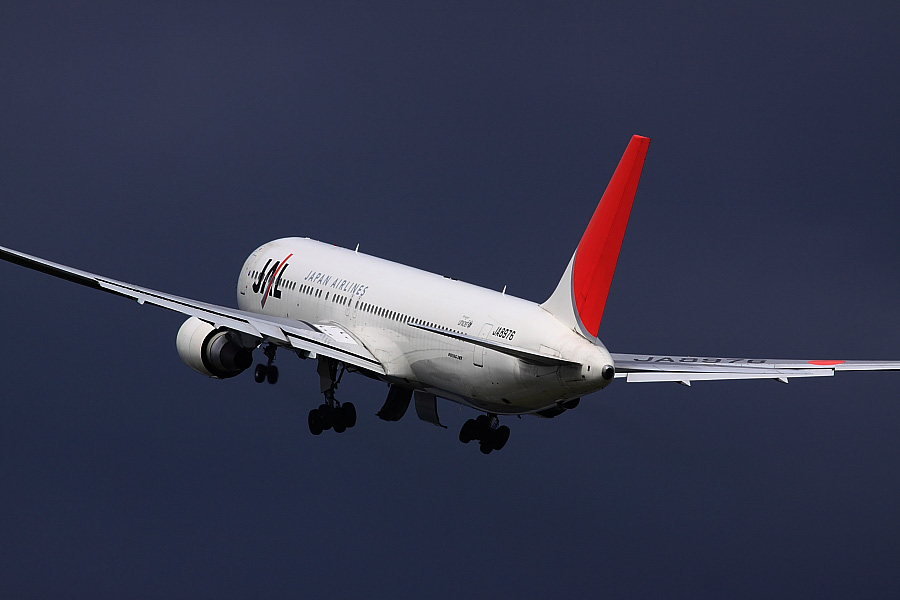 JAL B767-346 JAL114@伊丹スカイパーク(by EOS 50D with SIGMA APO 300mm F2.8 EX DG/HSM)