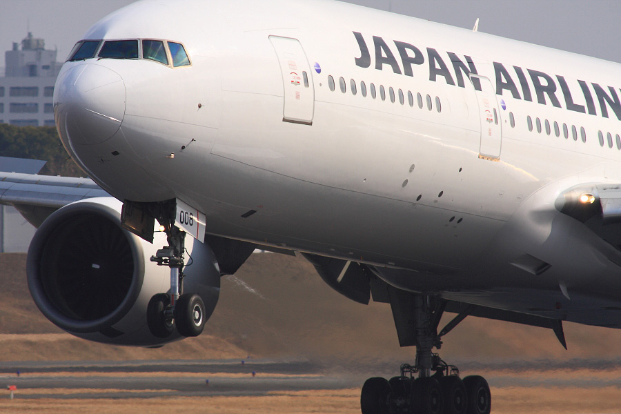 JAL B777-289 JAL115@伊丹スカイパーク(by EOS 40D with SIGMA APO 300mm F2.8 EX DG HSM + APO TC2x EX DG)