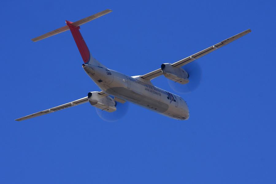 JAC DHC-8-402Q JAC2407@エアフロントオアシス下河原(by EOS 40D with SIGMA APO 300mm F2.8 EX DG HSM)