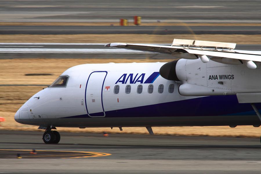 AKX DHC-8-402Q ANA1658@伊丹スカイパーク(by EOS 50D with SIGMA APO 300mm F2.8 EX DG HSM + APO TC2x EX DG)