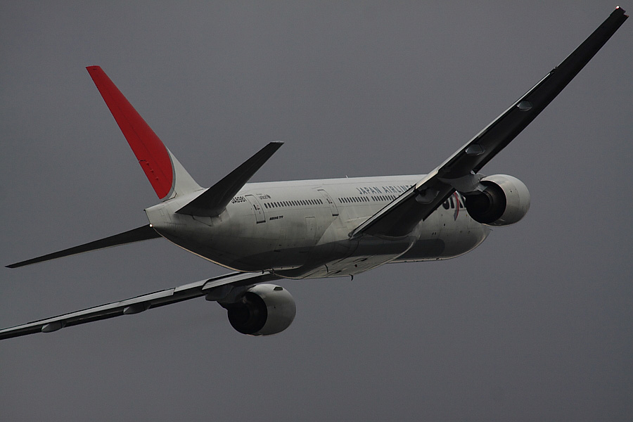 JAL B777-246 JAL124@下河原緑地展望デッキ(by EOS 50D with SIGMA APO 300mm F2.8 EX DG HSM + APO TC2x EX DG)