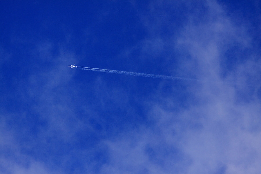 Contrail by ANA B787-881 ANA565@エアフロントオアシス下河原(by EOS 50D with SIGMA APO 300mm F2.8 EX DG HSM)