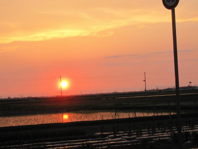 金環日食前日の夕日