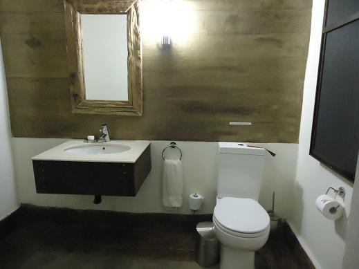 toilet@Mfuwe Lodge