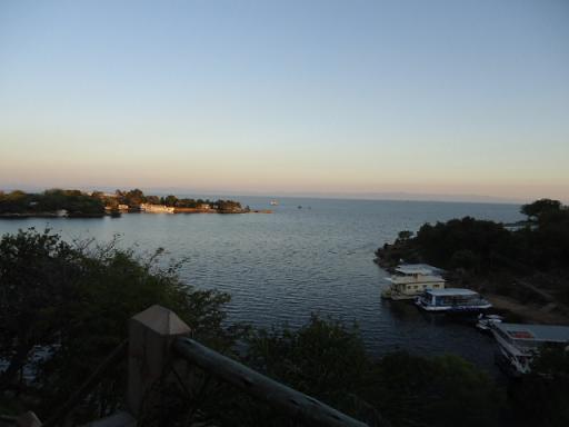 カリバ湖2