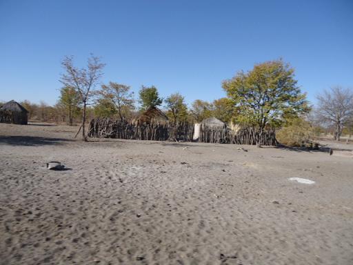 ボツワナの砂地の家