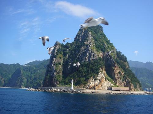 船上からは奇岩風景、絶景が広がります