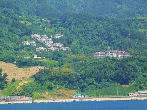 宿泊は海を見渡すリゾートホテルです