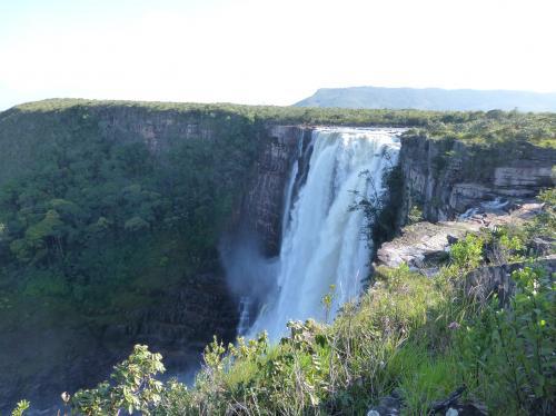 アポンワオの滝