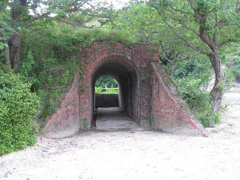 IMG_0865 戦時中の軍の弾薬庫の施設