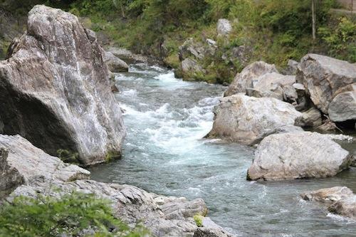 奥多摩の河