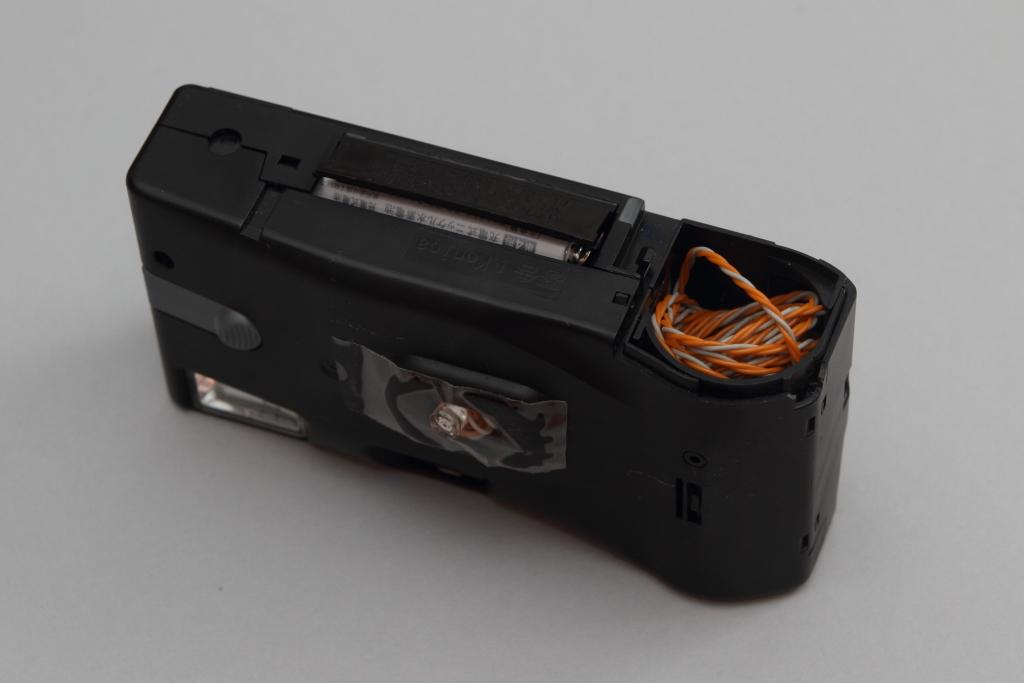 使い捨てカメラ、そのままスレイブストロボ