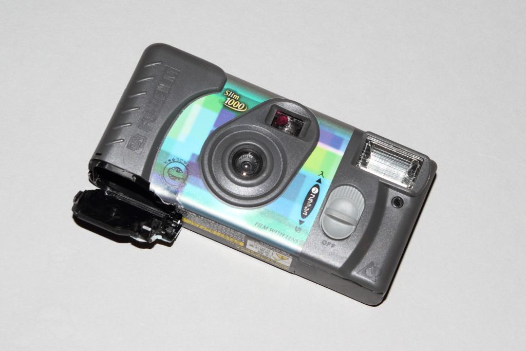 使い捨てカメラ、そのままスレイブストロボ(2台目)