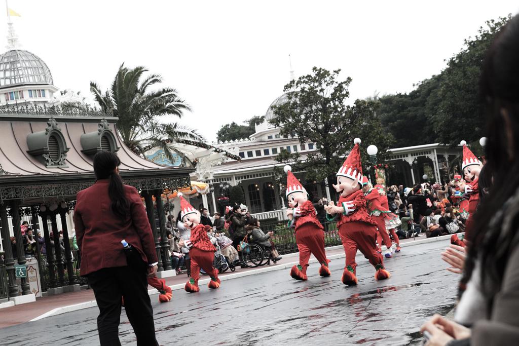 間に合わず(ディズニー・サンタヴィレッジ・パレード)