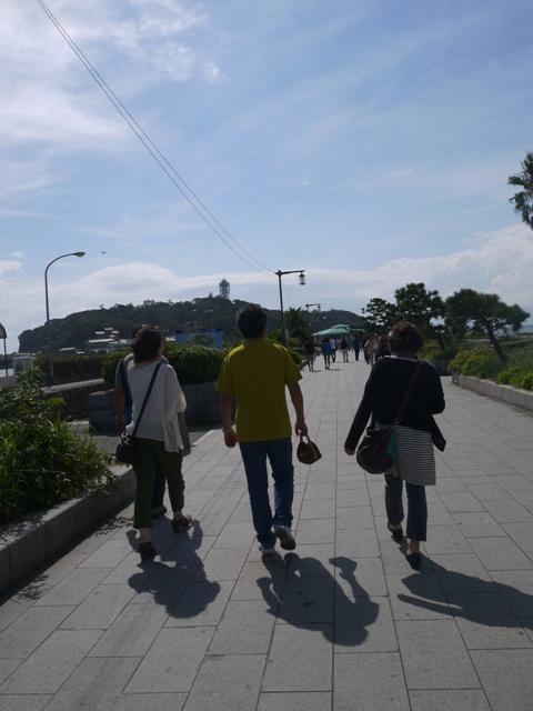江ノ島まで歩いて行きますよ