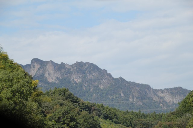 ギザギザ山②
