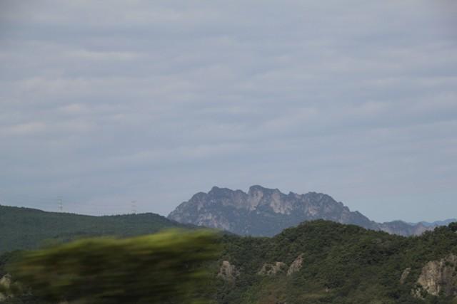 ギザギザ山①