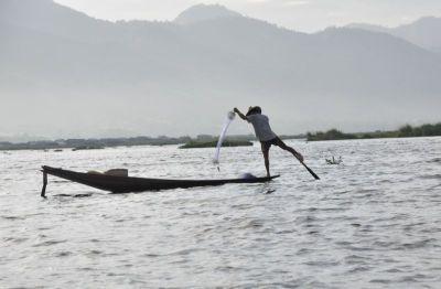 インレー漁師2